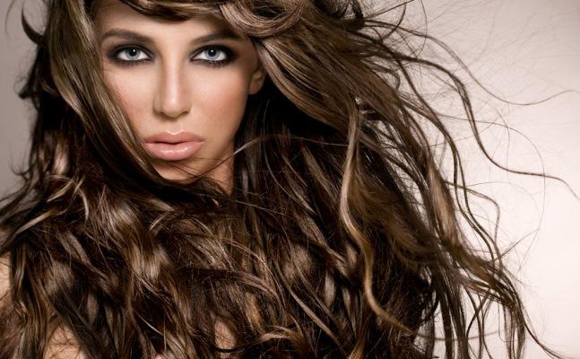 A reconstrução deixa o cabelo mais forte. (Foto: Divulgação)