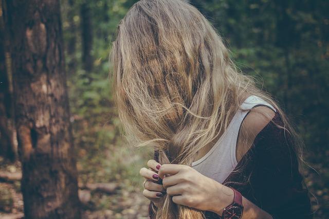 cabelos quebrados